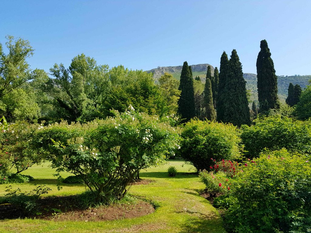 How to visit the Gardens of Ninfa near Rome: public transport
