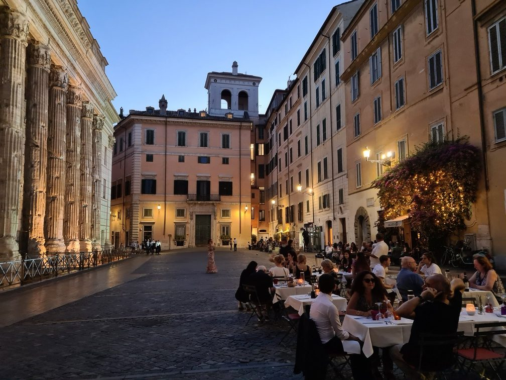 Rome restaurant Osteria dell'ingegno serves dinner in Rome's prettiest piazza