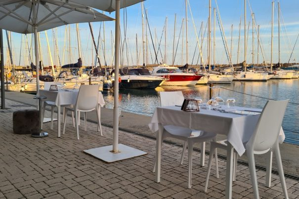 Lux Restaurant: sunset dining in the Port of Ostia