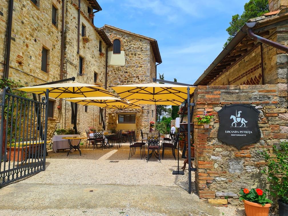 Borgo Petroro gourmet escapes in Umbria