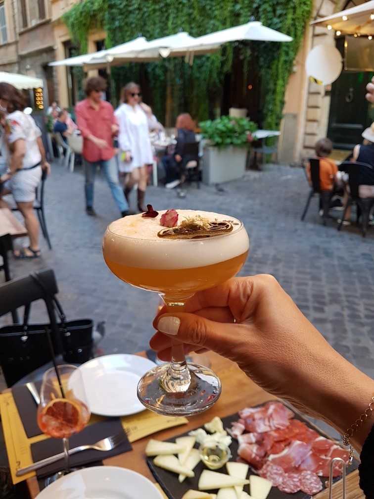Saltimbocca cocktails aperitivo places in Rome