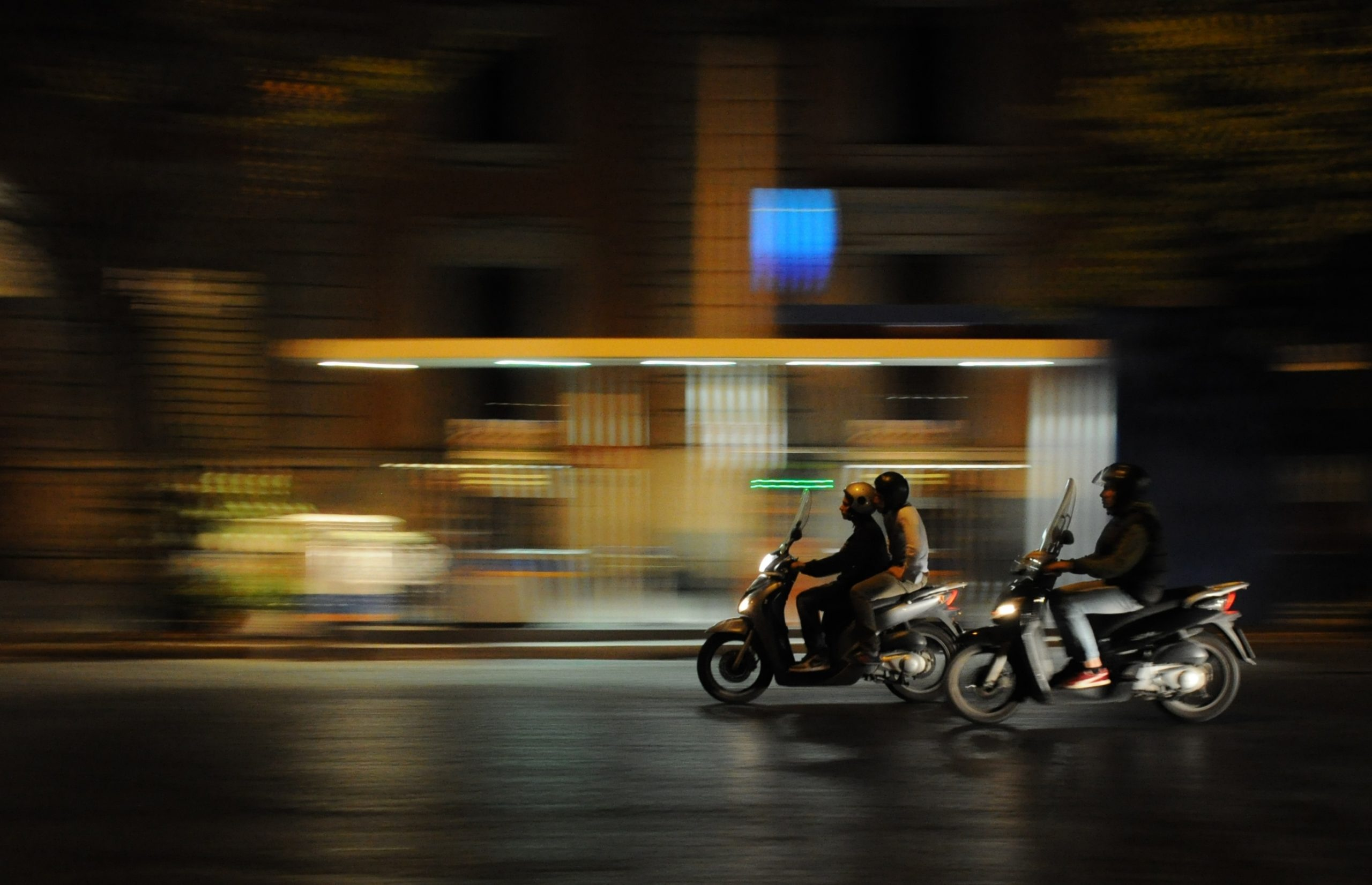 The ultimate guide to driving a scooter in Rome, with tips, tricks and safety suggestions