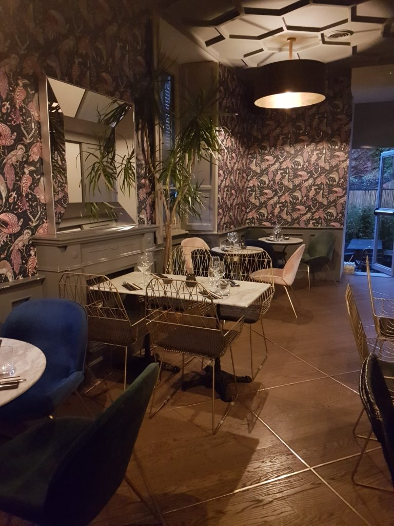 Palmerie Parioli in Rome's Parioli neighbourhood offers breakfast, lunch, aperitivo, dinner, drinks and dancing, and specialises in Asian fusion food
