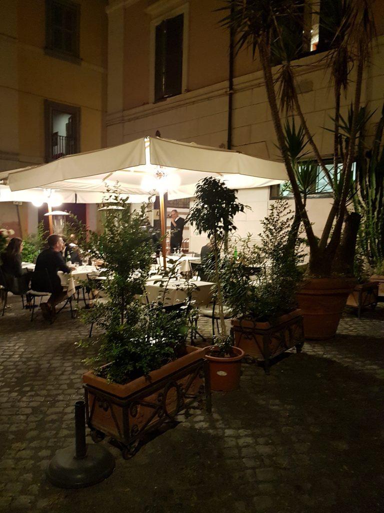 Al fresco dining in Rome at Ristorante La Regola - review