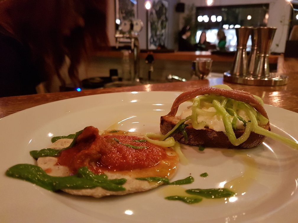 Santo Trastevere in Rome - cool cocktail bar and restaurant  #romerestaurants #italy