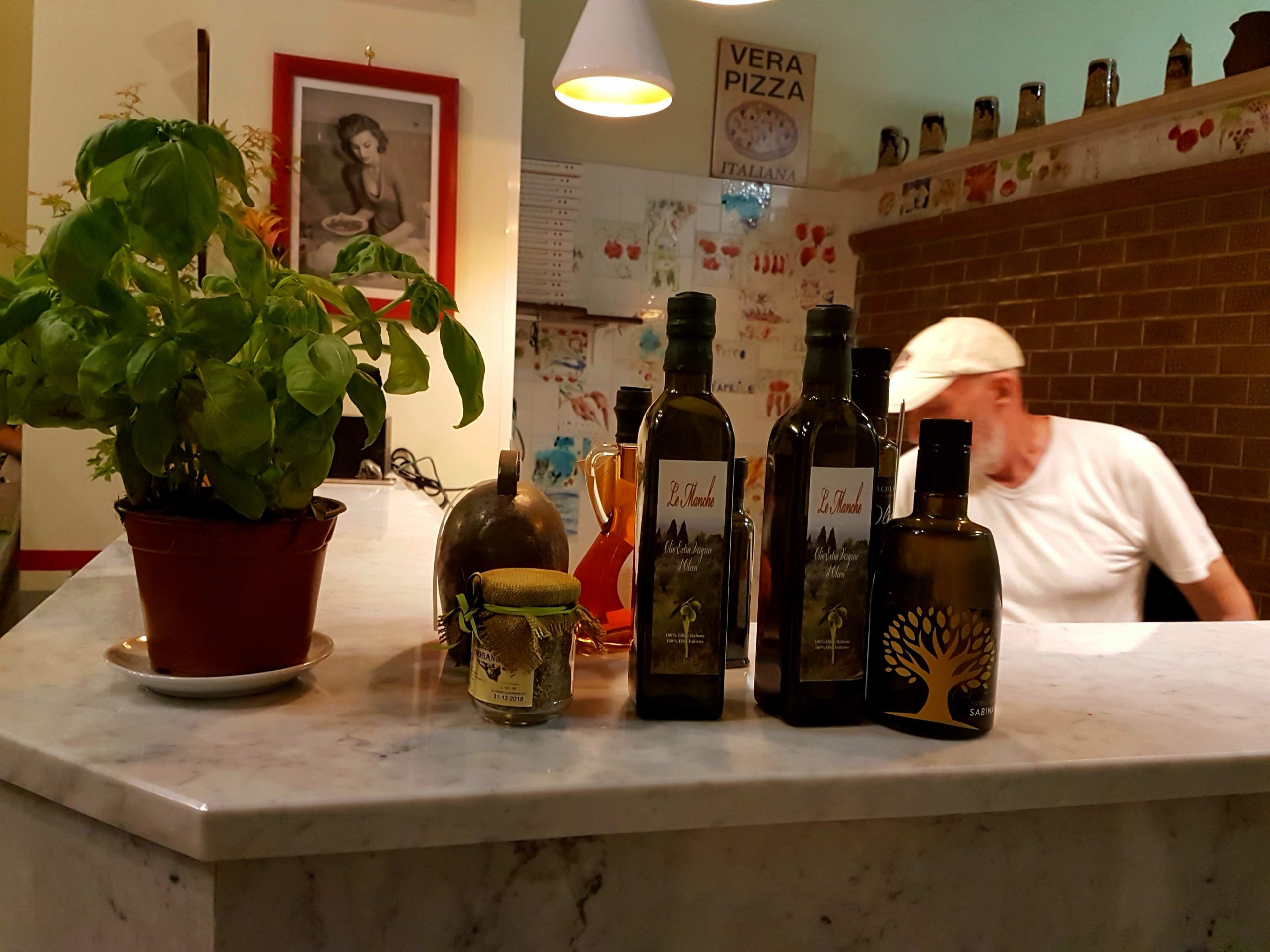 If you're looking for the best restaurant in Trastevere or the best pizza in Rome, let Peppo al Cosimato surprise you with its homely charms, pizza and fish.