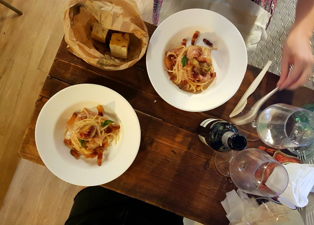 Il Maritozzo Rosso Bistrot is a new restaurant in Rome's Trastevere district, revisiting some classics of Roman cuisine in fun, informal surroundings.