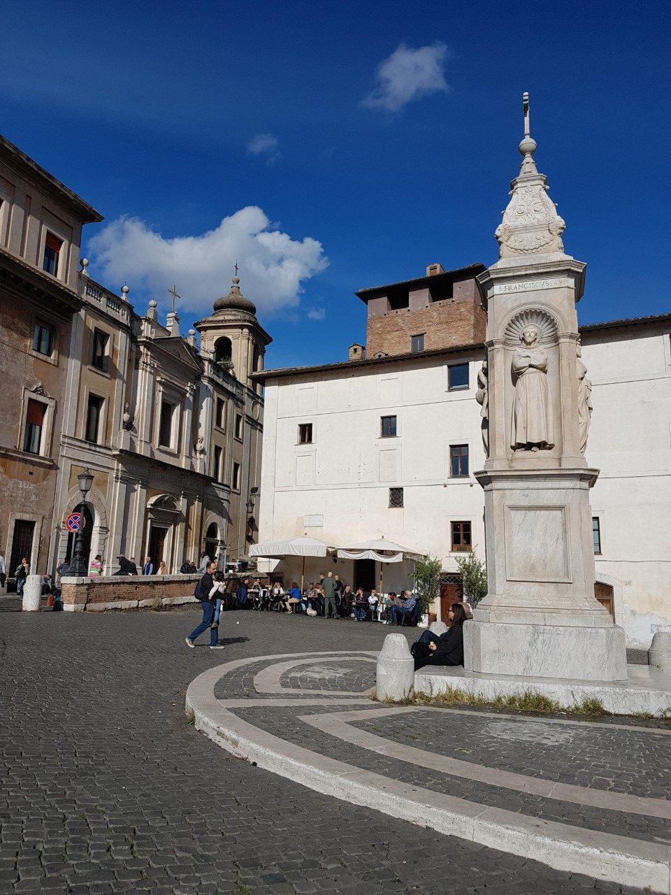Tiberino Ristorante on Tiber island in Rome,offers breakfast, lunch, aperitivo or dinner with river views.